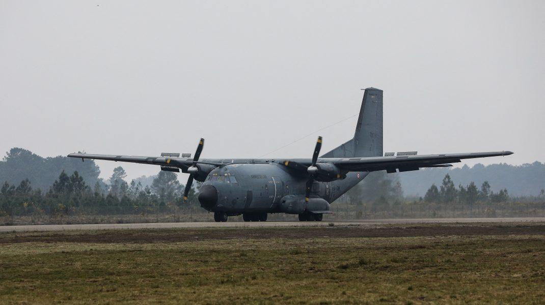 Avion C-130 Hercules.