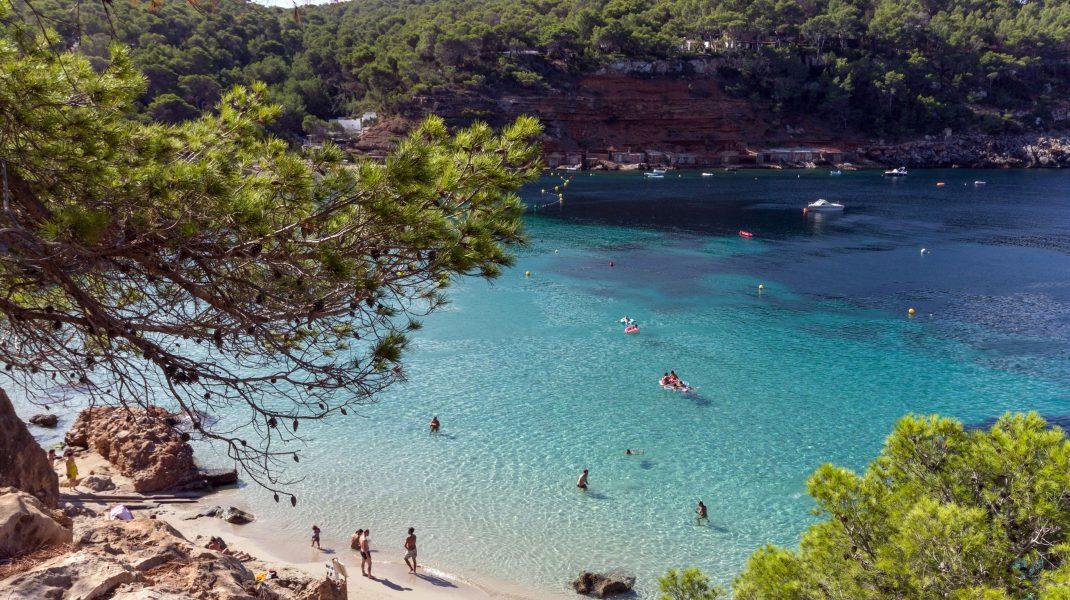 plaja Cala Salada din ibiza, spania.