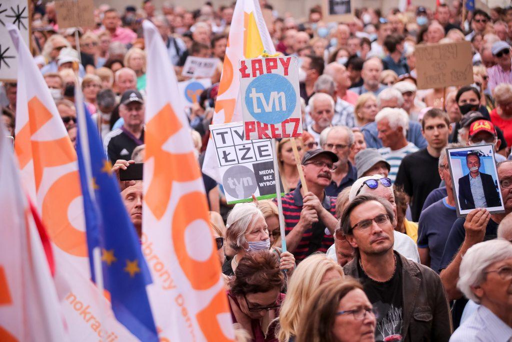 Au avut loc proteste în Polonia după modificarea legii mass-media.