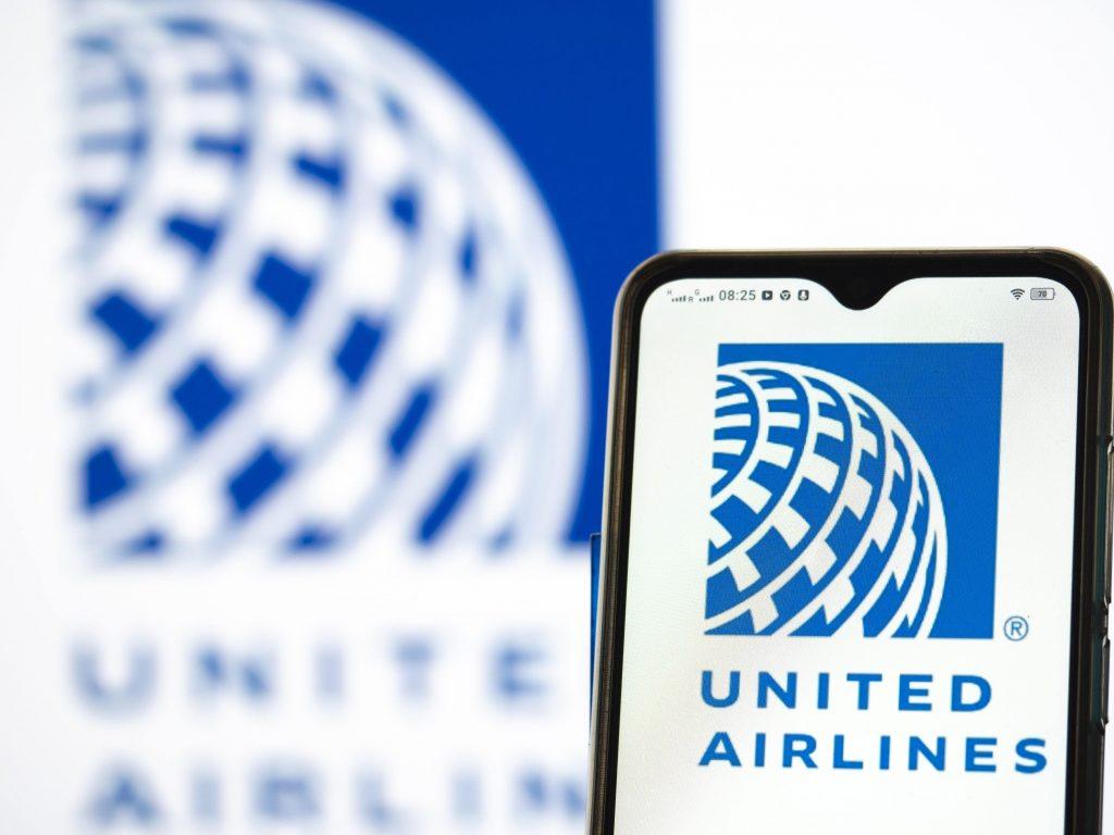 Logo-ul companiei aeriene United Airlines.