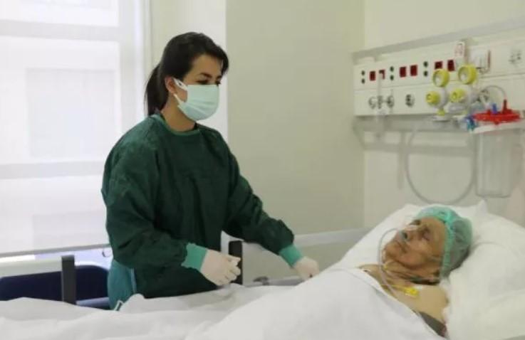 O turcoaică de 116 ani a învins coronavirusul. Povestea impresionantă a femeii