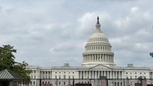 VIDEO: Fortăreață în jurul Capitoliului. Cum încearcă forțele americane să evite haosul la protestul pentru cei reținuți după atacul din ianuarie
