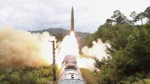 coreea-nord-racheta-tren