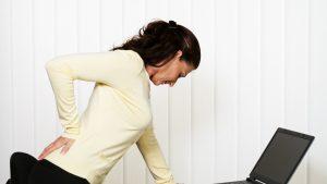 Ce obiceiuri zilnice duc la apariția durerilor de coloană. Metode de prevenție