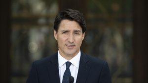 VIDEO: Premierul canadian Justin Trudeau, atacat cu pietre în timpul campaniei
