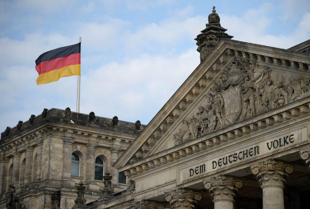 steagul german pe cladirea parlamentului