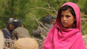 O fetiță afgană a fost vândută pentru 500 de dolari de o familie înfometată.