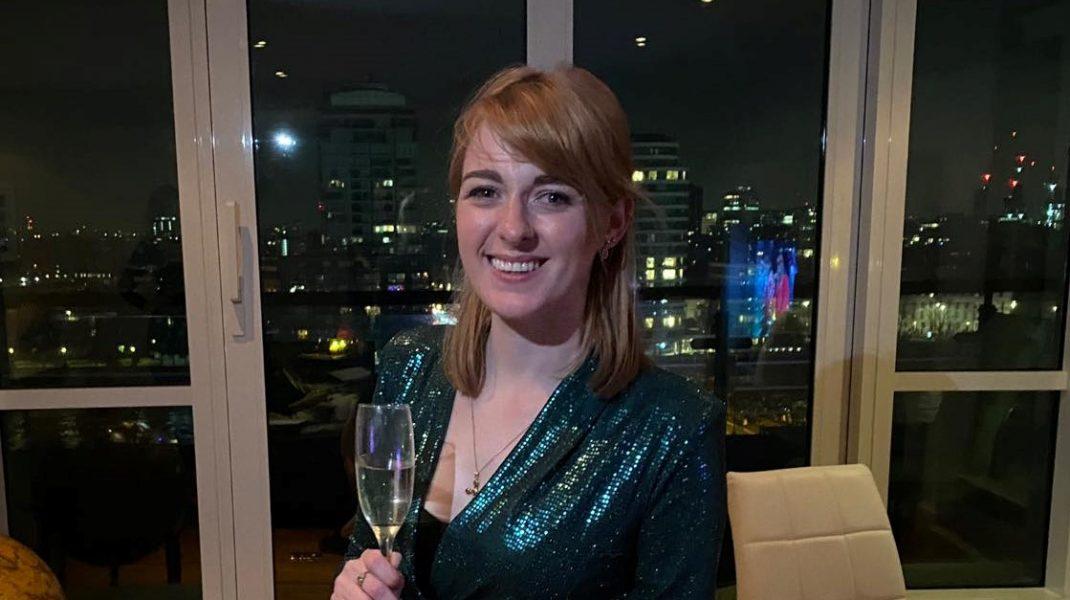 Parlamentarul conservator Dehenna Davison a spus într-un interviu că este bisexuală.