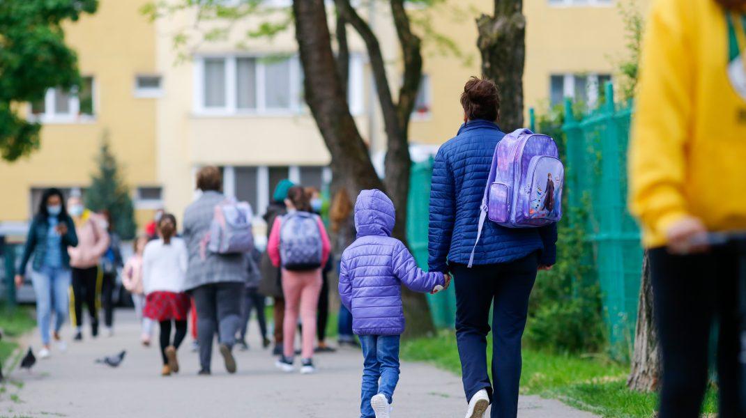 Testarea în școli rămâne o promisiune
