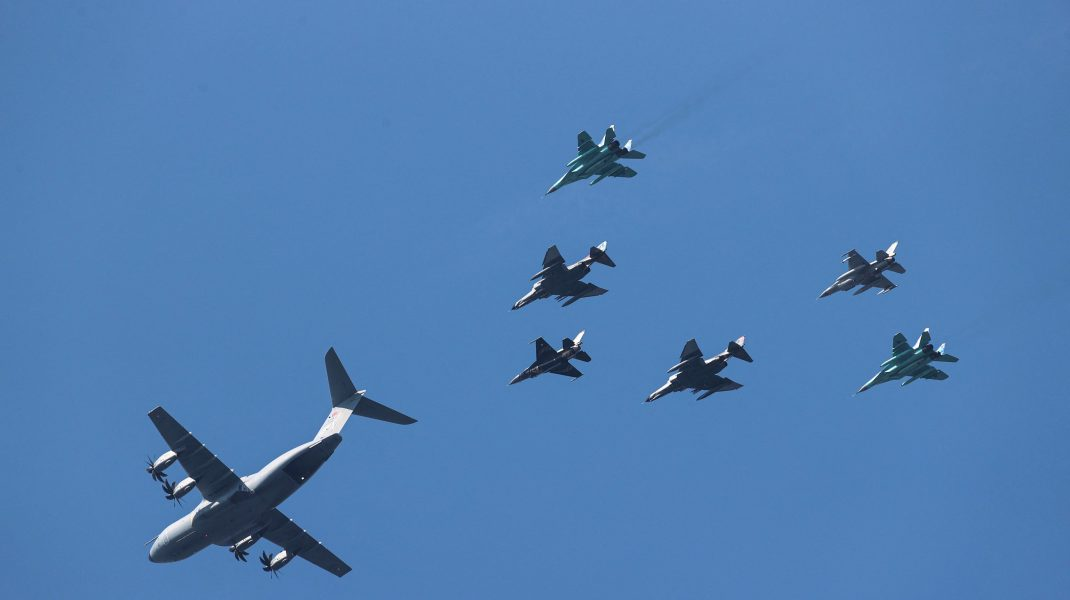Zeci de avioane militare chineze au pătruns în spaţiul aerian taiwanez.