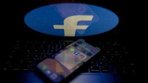 """Facebook atrage din ce în ce mai puţini utilizatori tineri, utilizatori """"preţioşi"""" din punct de vedere publicitar."""