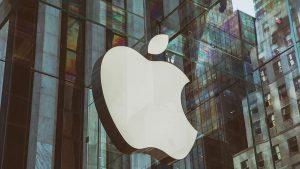 Acţiunile Apple au scăzut cu 1,2% în tranzacţiile din afara pieţei, în urma acestei ştiri.